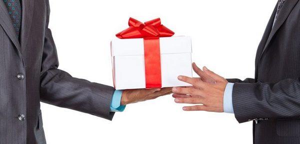 Дарение обычных подарков небольшой стоимости